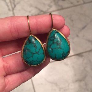 Jewelry - ✨Beautiful teardrop teal stone earrings✨
